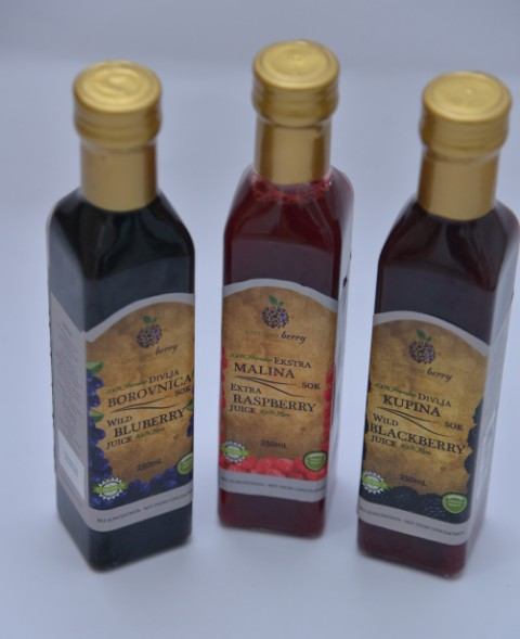 Hladno ceđeni sok od divlje borovnice slika 2